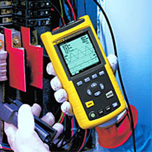 Fluke 43B Single Phase Power Quality AnalyzerFluke 43B Analizzatore di rete